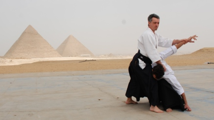 The Giza Pyramids Photo Shoot-out
