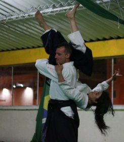 Senza confini: Aikido a Bogotà