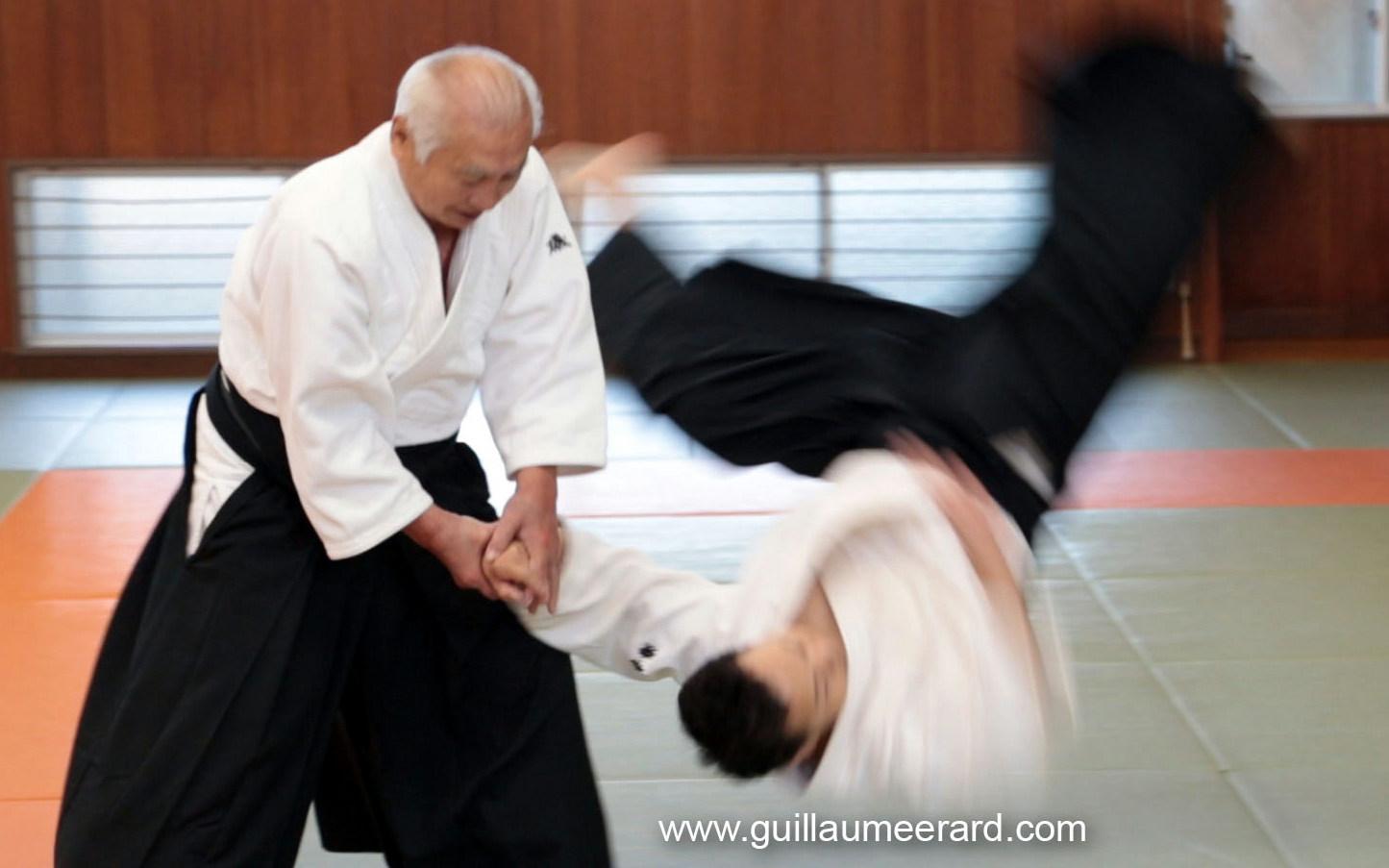 Isoyama Hiroshi 04